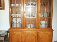 Solid Oak Cochrane China Cabinet. Is in BEAUTIFUL