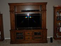 Gently used beautiful sold oak entertainment