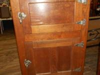 Gorgeous Sold Oak Ice Chest Sturdy, Needs Cleaning.
