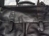 Up for sale is a beautiful Black SOLO leather