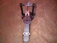 SONOR SINGLE BASS PEDAL EXCELLENT CONDITION  Location: