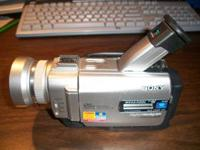Sony DCR-TRV20 Video Camera with charger and 2