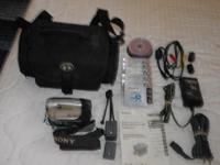 Sony Handycam DCR DVD92 great camera light weight and