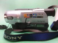 SONY TRV 140 Digital 8 Handycam. Includes original box,