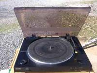 Sony Turntable in good condition. No cracks or dents