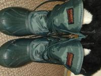 Green Sorel Boots, size 8 only $50 cash or credit ID#
