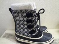 Sorel Boots in Size 6 For $48.00 Item #4590-177.  Born