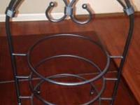 Southern Living 3 Tier Plate Stand. Exc. cond. CASH
