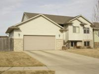 Spacious 6 BR home for sale in cul-de-sac Location: