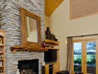 Beautiful custom home in Broken Top with impressive