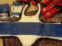 Like new sparring equipment. Including: sparring