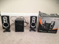 I am selling the SPEAKER SETS. It is in great