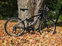 Like new, Specialized Hot Rock FSA1, color black and