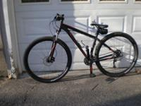 2014 Specialized men's mountain bike med frame 17.5''