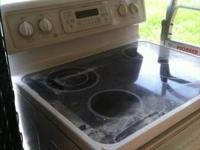 Spectra flat top stove, works. Was pulled out of a