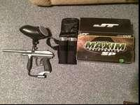 Comes with paintballs, two paintball holders with waist
