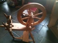 American Eagle spinning wheel, fully functional, in
