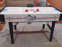 Airhockey table in good condition with oval ends and