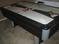 3 year old Endeavor SportCraft Turbo Air Hockey Table