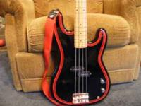 SQUIRE II BASS GUITAR BY FENDER. LIKE NEW CONDITION.
