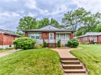 St. Louis Hills duplex! Location: St. Louis Hills