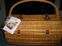 This basket is unused.....with tag & in mint condition.