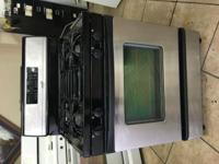 Stainless steel gas stove Working good and clean 90 day