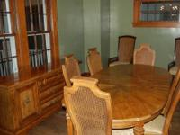 Stanley furniture 9 piece dining room set in great