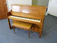 Selling a Starck piano in great condition. Wonderful