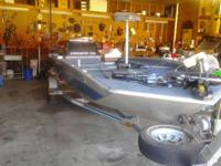 starcraft bass boat 17ft has 60 horsepower mercury