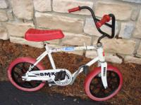 Hedstrom Unisex BMX Starter Bicycle. Bike has foot