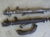 STEERING CYLINDERS FROM A LONG 560 TRACTOR (2 OF THEM)