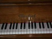 Excellent condition Baby Grand piano. call  Location:
