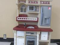 Step 2 Kitchen Set Very Nice Set; Very Clean in Great
