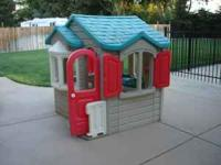 Step 2 Playhouse, good condition. Minor stains on