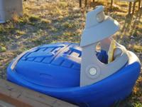 Step 2 Tug Boat Sandbox / Pool. In great condition.