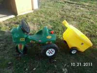 step 2 tractor w/ trailer, great shape.Ride on toy with