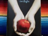 Stephenie Meyer Twilight Paper Back Available At