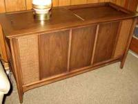 STEREO CONSOLE - Cabinet is in outstanding condition.