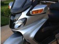 Super clean 2003 Suzuki Burgman 650cc!!! Silver Very,