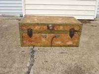 For sale is this storage trunk. It can be used for many