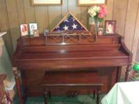 Beautiful Story & Clark piano. Great condition. Not a
