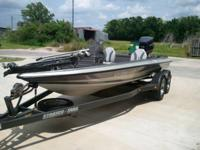Stratos Bass Boat / 175HP Evinrude. Runs very well,