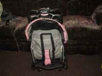 stroller for sale only used twice but granddaughter too
