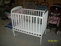 3/4 childesign Crib White with Mattress side goes up