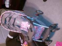 BRAND NEW! STROLLER NEVER USED , CAR SEAT USED 2