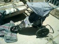 baby stroller/jogger in great condition, neumatic
