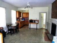 Room for rent in a large shared townhouse, can be