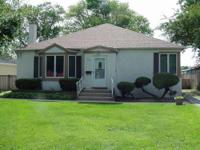 Wonderful lakefront home location ~ just blocks from