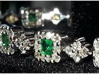 Absolutely spectacular diamond and Colombian emerald